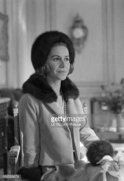 A Paris Dans Un Salon Lors De Son Mariage Avec Le Britannique John Marquis De Blandford Portrait De La Grecque Tina Jacqueline Kennedy Onassis Marquis Paris