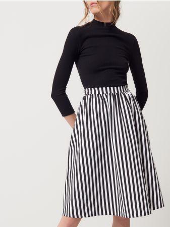 53e3b663 Mohito - Rozkloszowana spódnica w paski Spódnica o średniej długości ...