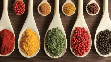 10 temperos naturais para dar mais sabor ao seu prato