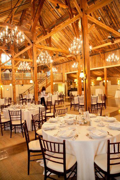 Diy Inspired Wedding In Groton Massachusetts From Julie Surette Photography Massachusetts Wedding Venues Massachusetts Wedding Barn Wedding Venue