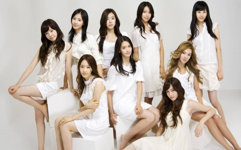 Girls' Generation's 'Into The New World' rises suddenly to #1 on music charts | Girls generation, Girl, Women girl