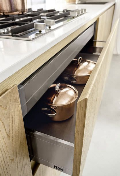 Cucina Moderna In Legno Massiccio Rovere.Cucina Moderna In Legno Massiccio Rovere Materika
