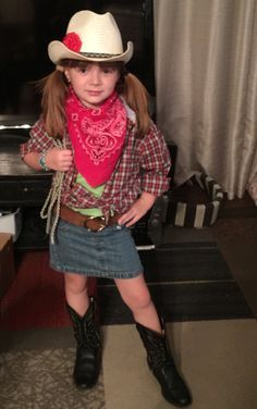7 year old creates cowgirl costume