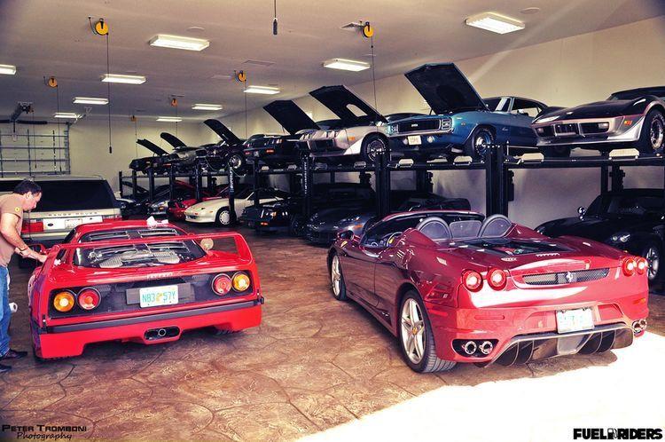 Pin by aLaN Leung on Epic Garages... Classic car garage