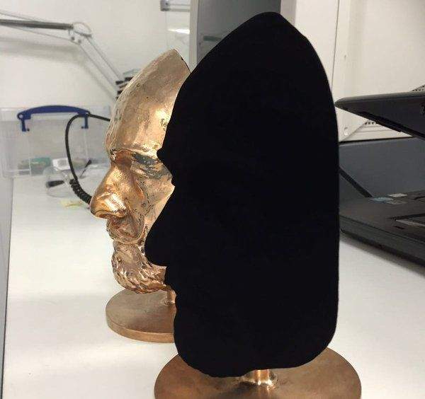"""CNET on Twitter: """"Vantablack, the """"world's blackest material"""" now comes in a spray https://t.co/JhDUBmoGTo https://t.co/MdIu7hiIut"""""""