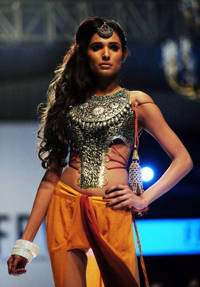 In Pics Fashion Pakistan Week In Karachi Fashion Pakistani Models Fashion Design