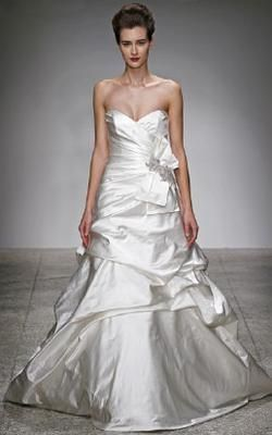 Sample Size 8 Amsale Miranda wedding dress has strapless Satin gown with side-draped bodice and sweetheart neckline. Full A-line skirt accented with asymmetrical pickups and Crystal beaded train. 50% off retail!