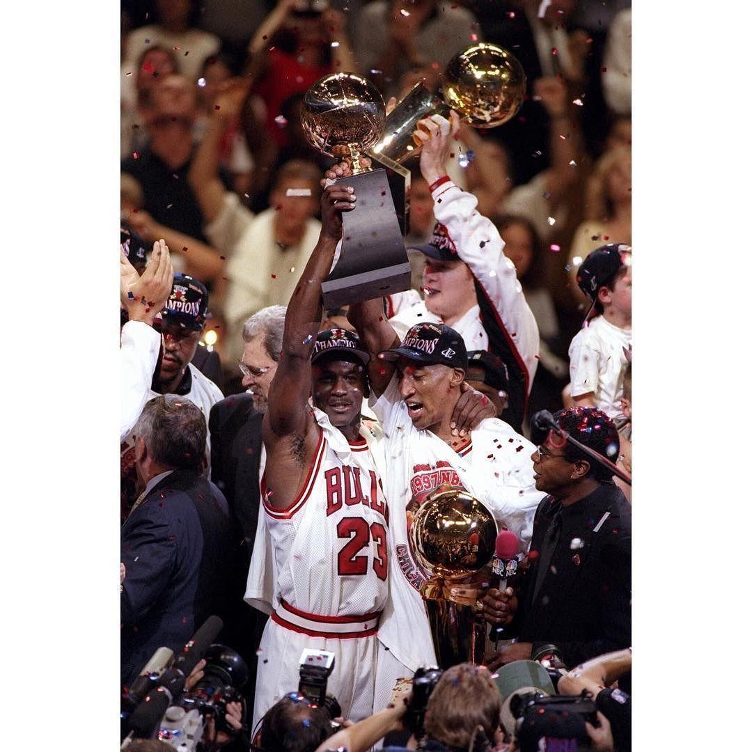 Jordan S Playoff Averages 33 4 Ppg 6 4 Rpg 5 7 Apg 179 Games Played Nba Championships 6 Nba Finals Mvp 6 Repre23n Michael Jordan Jordan Bulls Chicago Bulls