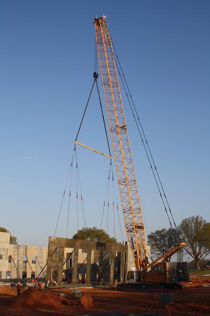Overhead cranes brisbane : Liebherr lr new world record the widest panel