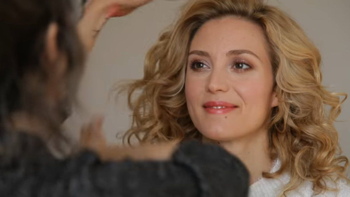 Cleavage 2019 Evelyne Brochu naked photo 2017