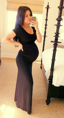 f7db55313897c Can only hope to look like this at 38 weeks prego. Honeybee blog by Andee  Layne. Dress Liz Lange maternity from Target.