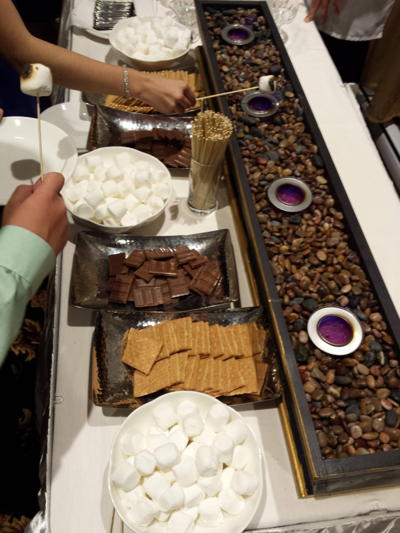 S'mores station at a wedding in Montreal. (4128x3096)(Source)