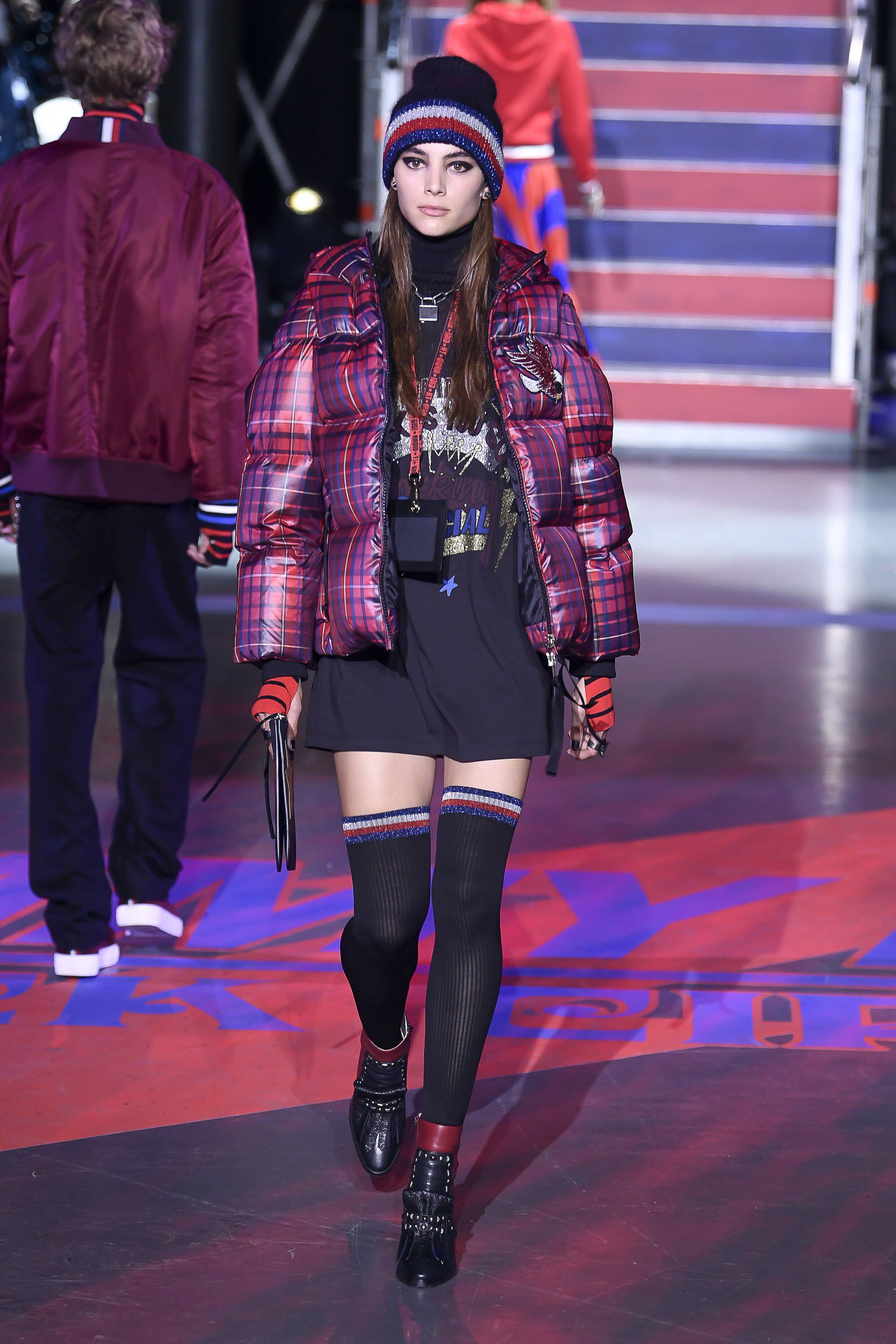 a6a755813 Tommy Hilfiger Fall 2017 Ready-to-Wear Fashion Show Collection ...