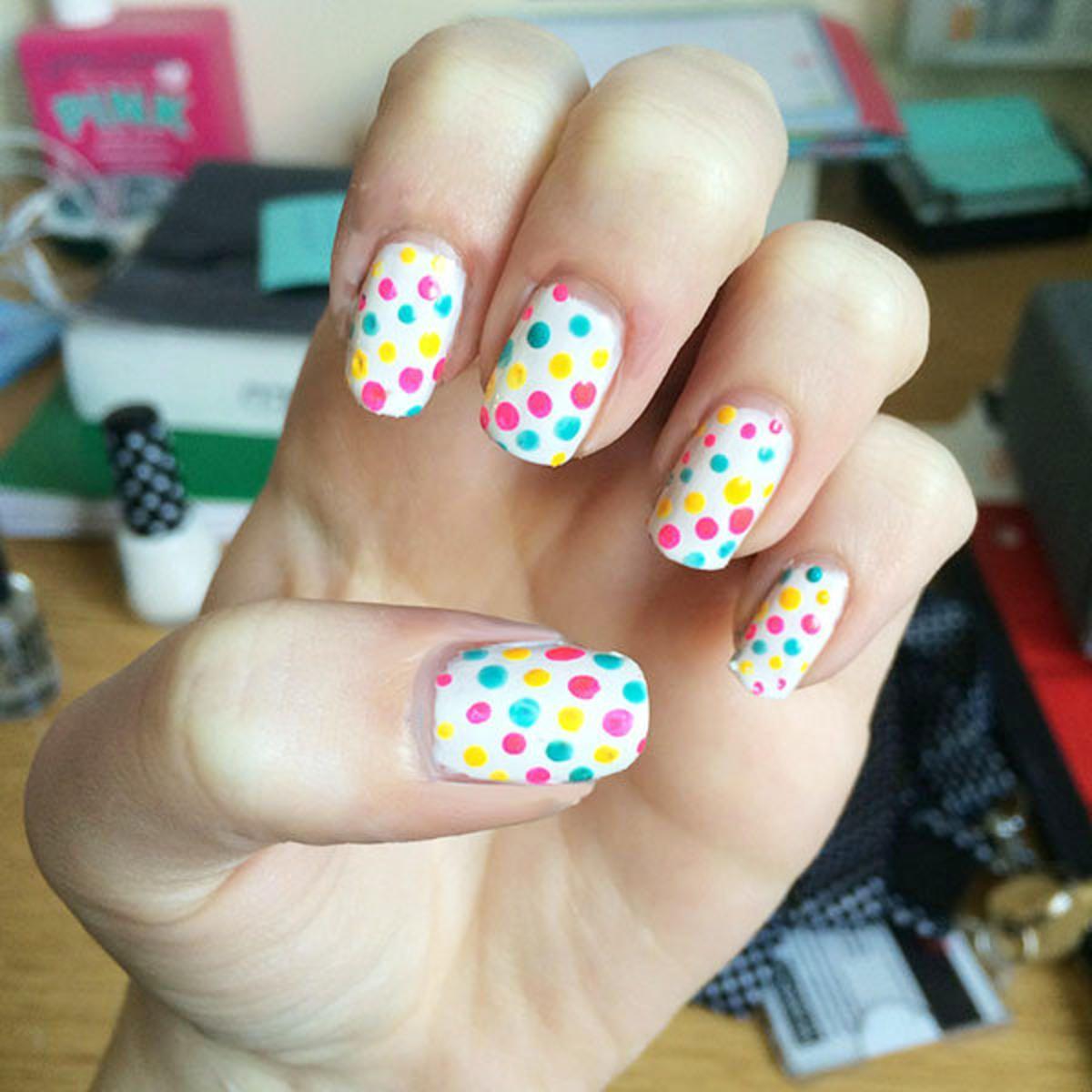 Nail Art Tutorial: Bright Summer Dotticure
