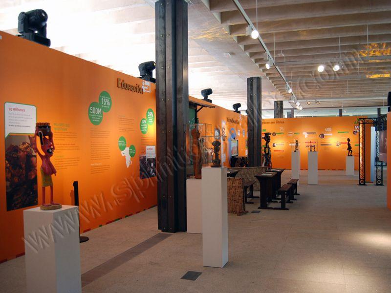 Museografía y Exposiciones | SP Integrales Pies, metacrilatos, vitrinas y vinilos para museos y exposiciones
