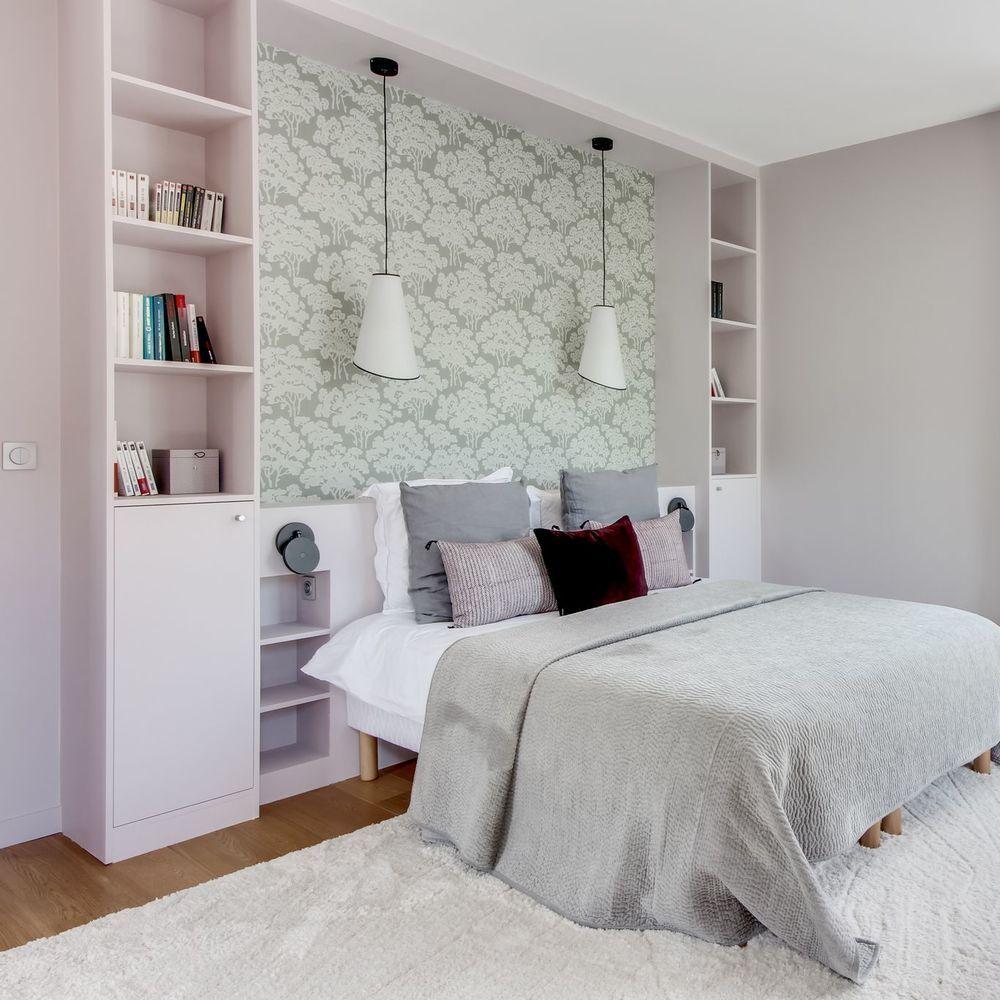 Rangement chambre  idées aménagement pratique   Tête de lit avec ...