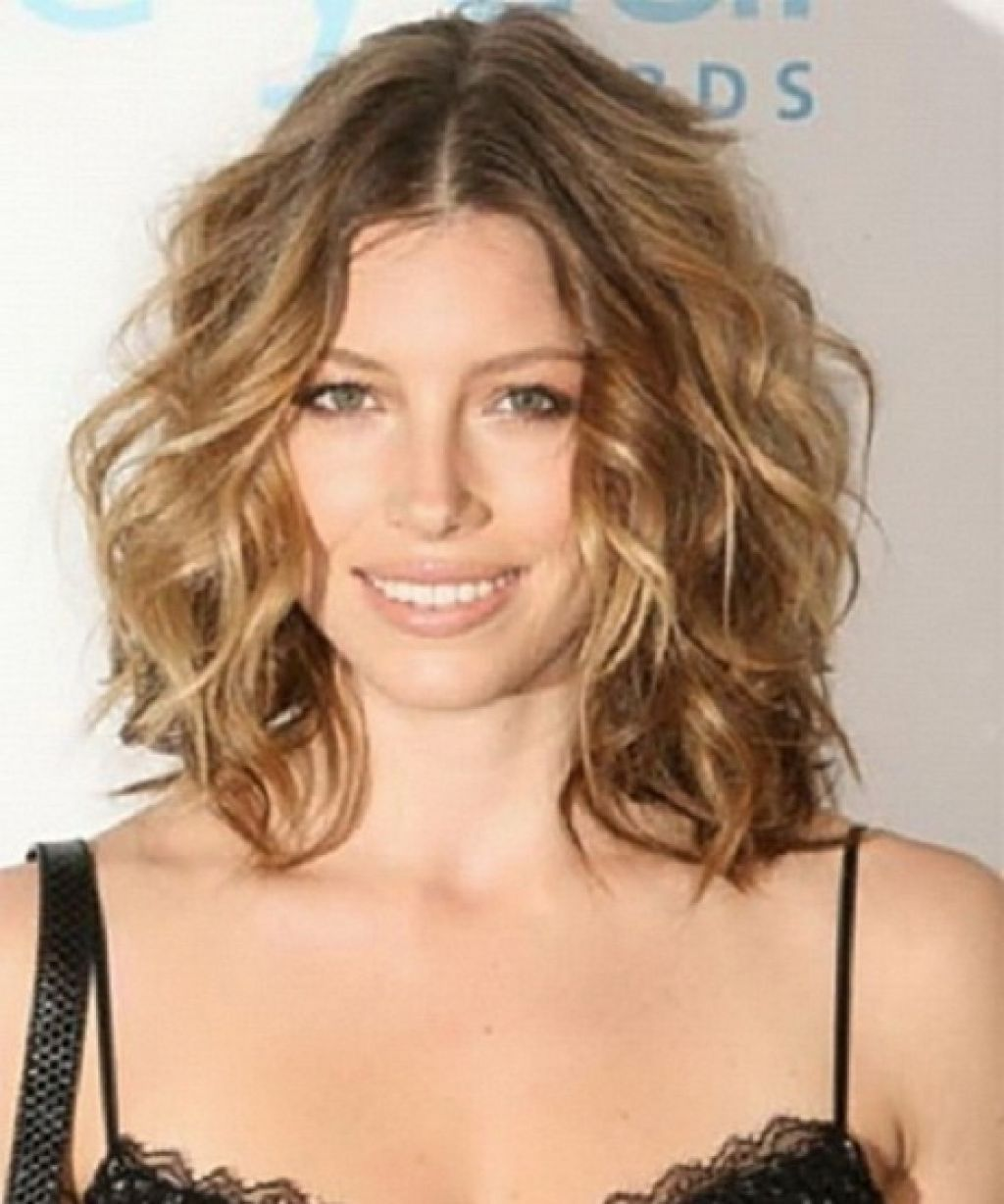 Wavy long hairstyles picture of wavy medium hairstyles ideas on