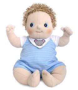 73b1314043f Sød dukke fra Rubens Barn fra serien Rubens Baby,Erik har lyseblå  sparkedragt,hvid