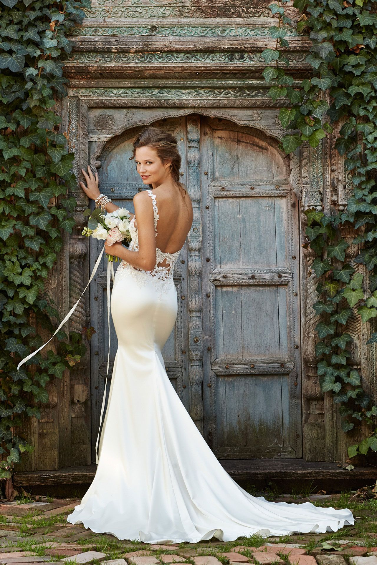 Covers Couture Utrecht Watters 53313 Back The Dress