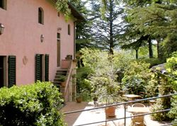 Villa Rosa di Boscorotondo | Italy Florence Tuscany. A friendly little launch pad for Tuscan sites and wineries, with delicious food and a relaxed welcome for all – families included