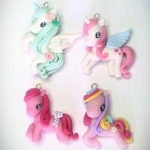 #lovely #unicorn VS #sweet #pony ! #handmade #horses #polymerclay #fimo #cernit