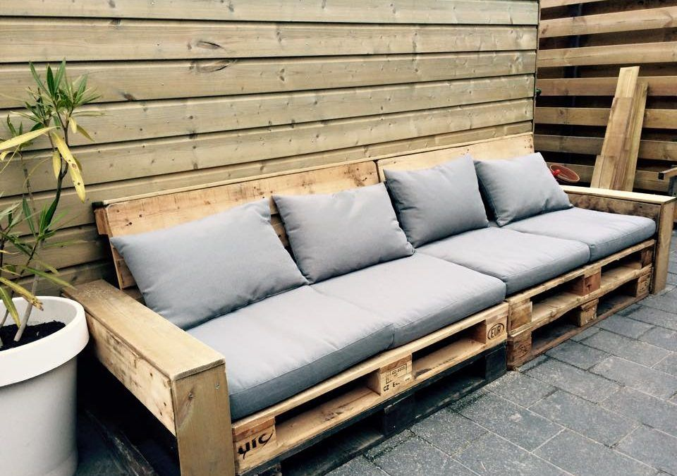 Houten Bank Van Pallets.Basic Pallet Lounge Bank Central Area In 2019 Pallet Lounge