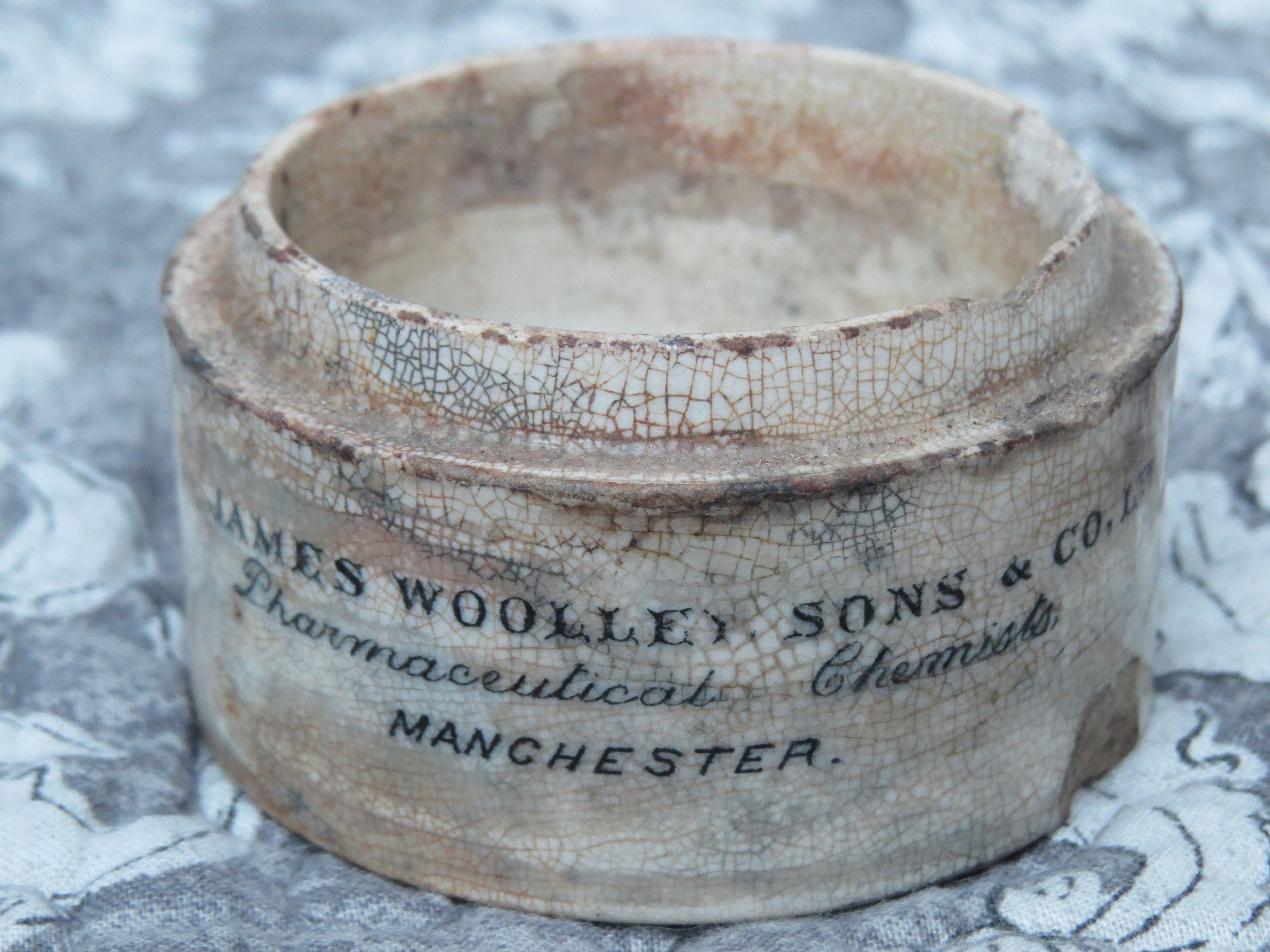 Antique pharmacist pot from James Woolley , Sons & co LtD Manchester , photography by Nico Loos