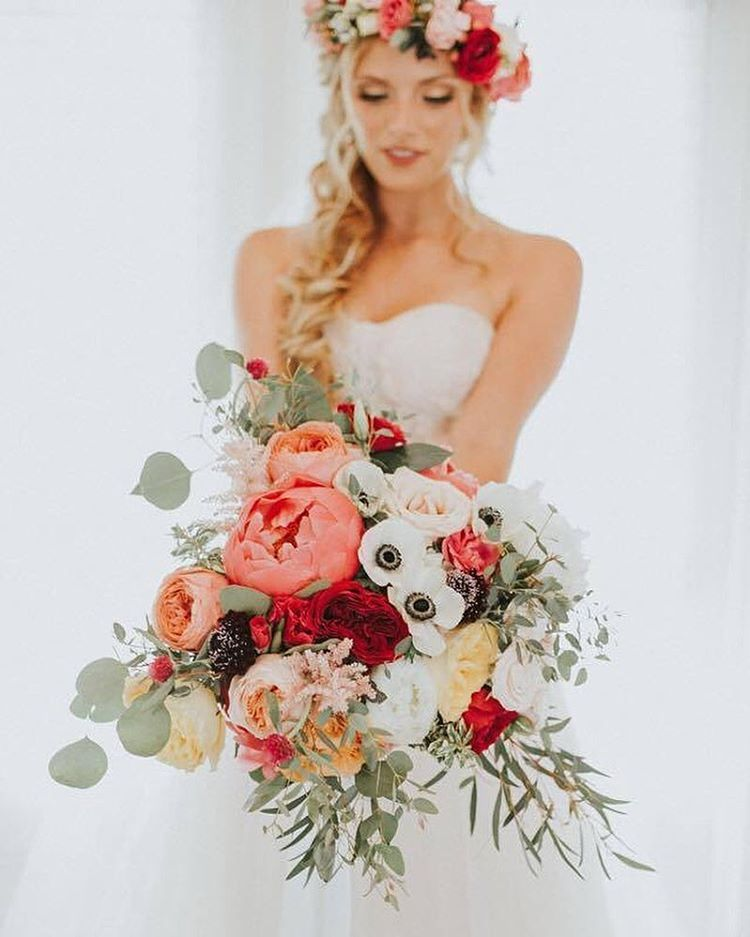 June Wedding Flower Bouquets: Pin By Rhiannon Lonteen On Bouquet And Boutonnieres In