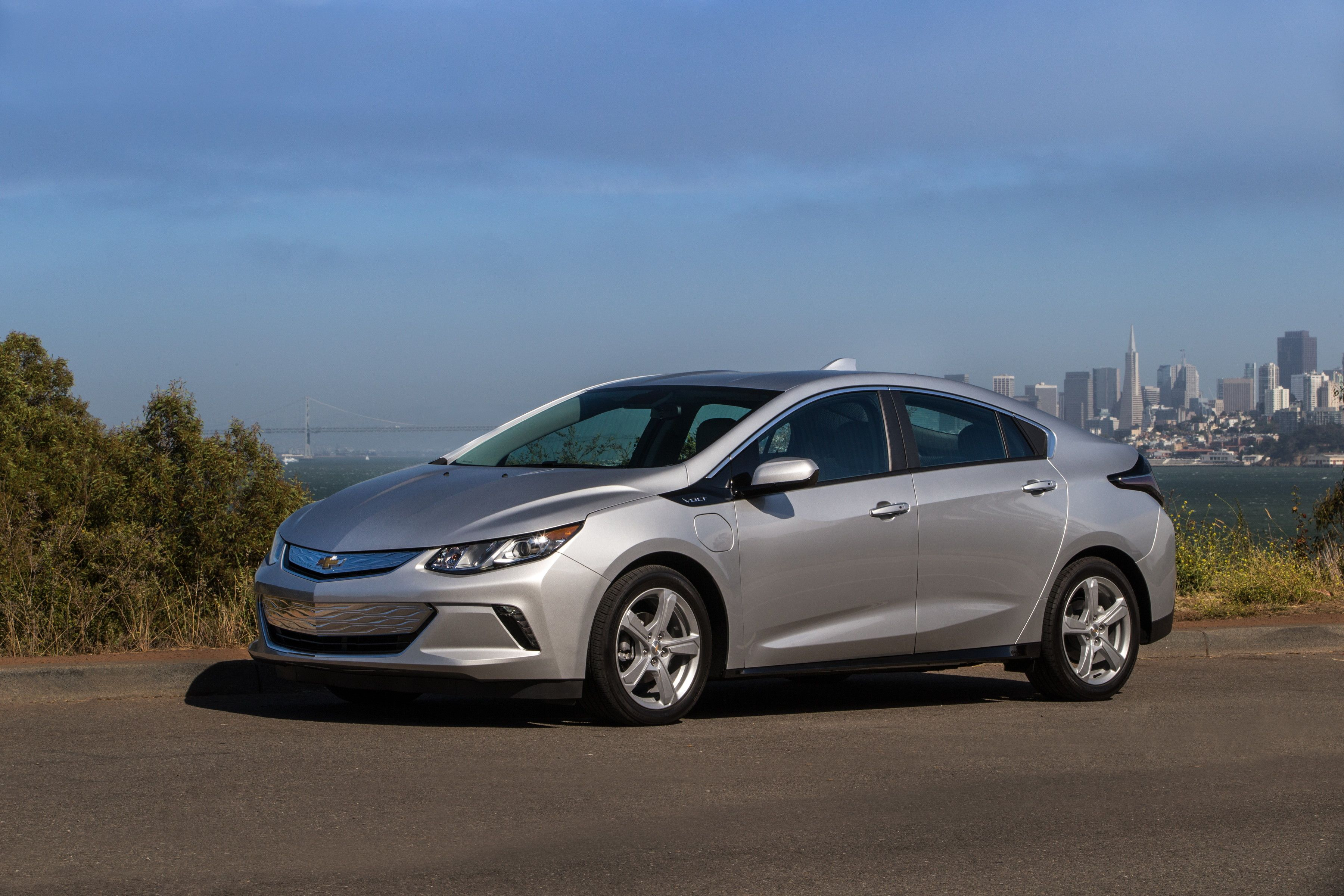 Blog In 2020 Chevrolet Volt Chevy Volt Hybrid Car