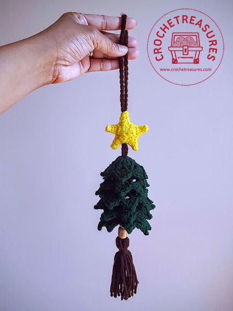 Christmas Tree Hanging Ornament - free crochet pattern  by Belle Tracy at Crochet Treasures.