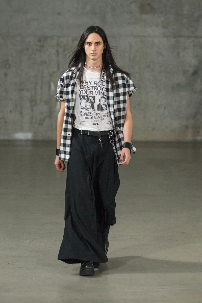 Label r joined the political feel after by using garments as