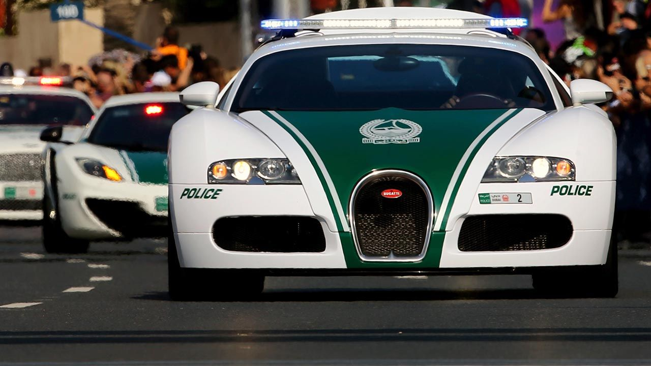 Behind The Scenes With The Dubai Police Supercar Fleet Police Cars Super Cars Bugatti Veyron