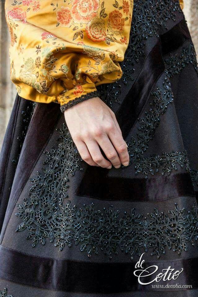 6550e3d13 Pin de mgca en traje tradicional gallega | Ropa tradicional, Traje ...