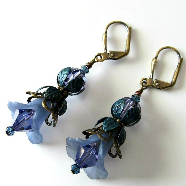 Handmade Beaded Jewelry And Lampwork Jewelry Designs - Pacificjewelrydesigns.com - Lavender and Teal Lucite flower earrings