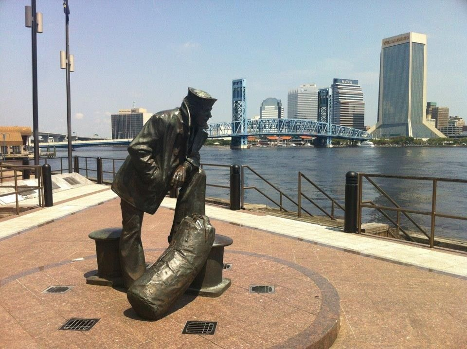 Lone Sailor Statue In Jacksonville Fl Artistic Installation Statue Sculptures