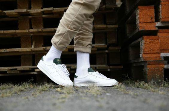 Una en los pies mira el Adidas Lacombe Spezial Core blanco * https: / / www
