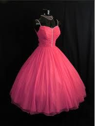 this is the grown up version of my prom dress. i want it super bad!!!