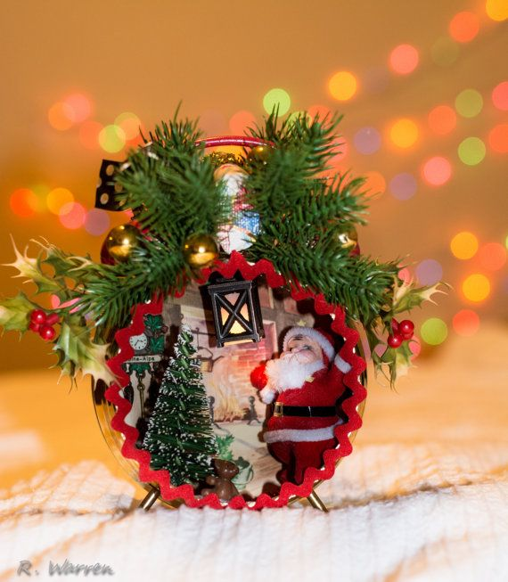 SALE!! Vintage Clock Light Up Christmas Santa Shadowbox Shadow Box - christmas decorations sale