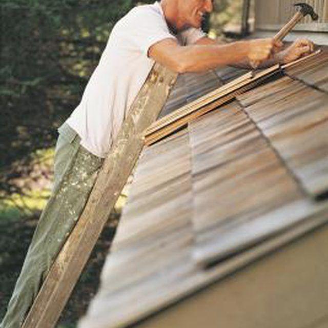 Best How To Restore Blackened Cedar Shake Siding Homesteady Travel Trailer Remodel Recreational 400 x 300