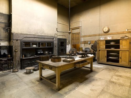 Brodsworth hall yorkshire owned by english heritage for Kitchen design yorkshire