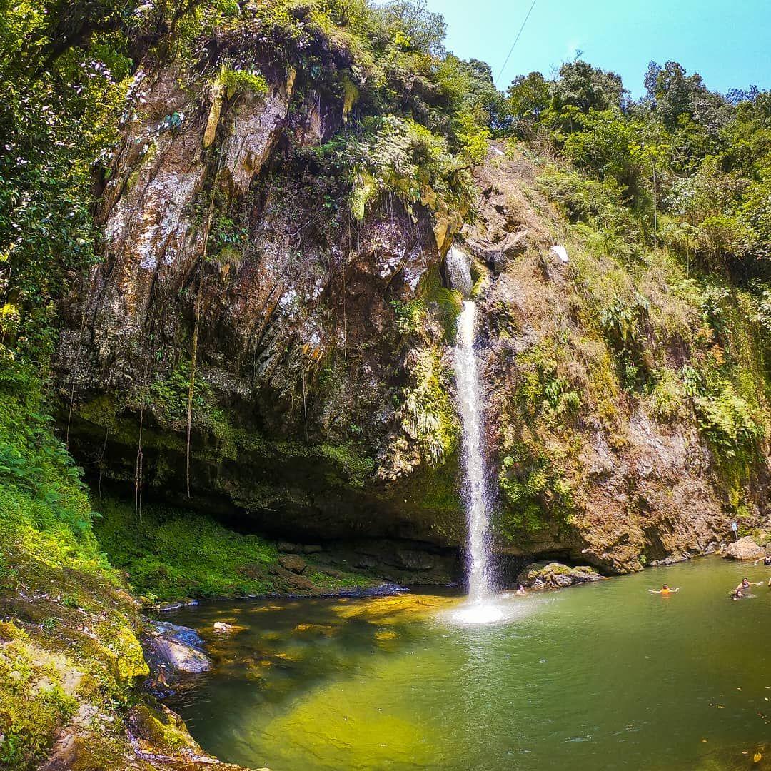 Cascada Las Brisas.