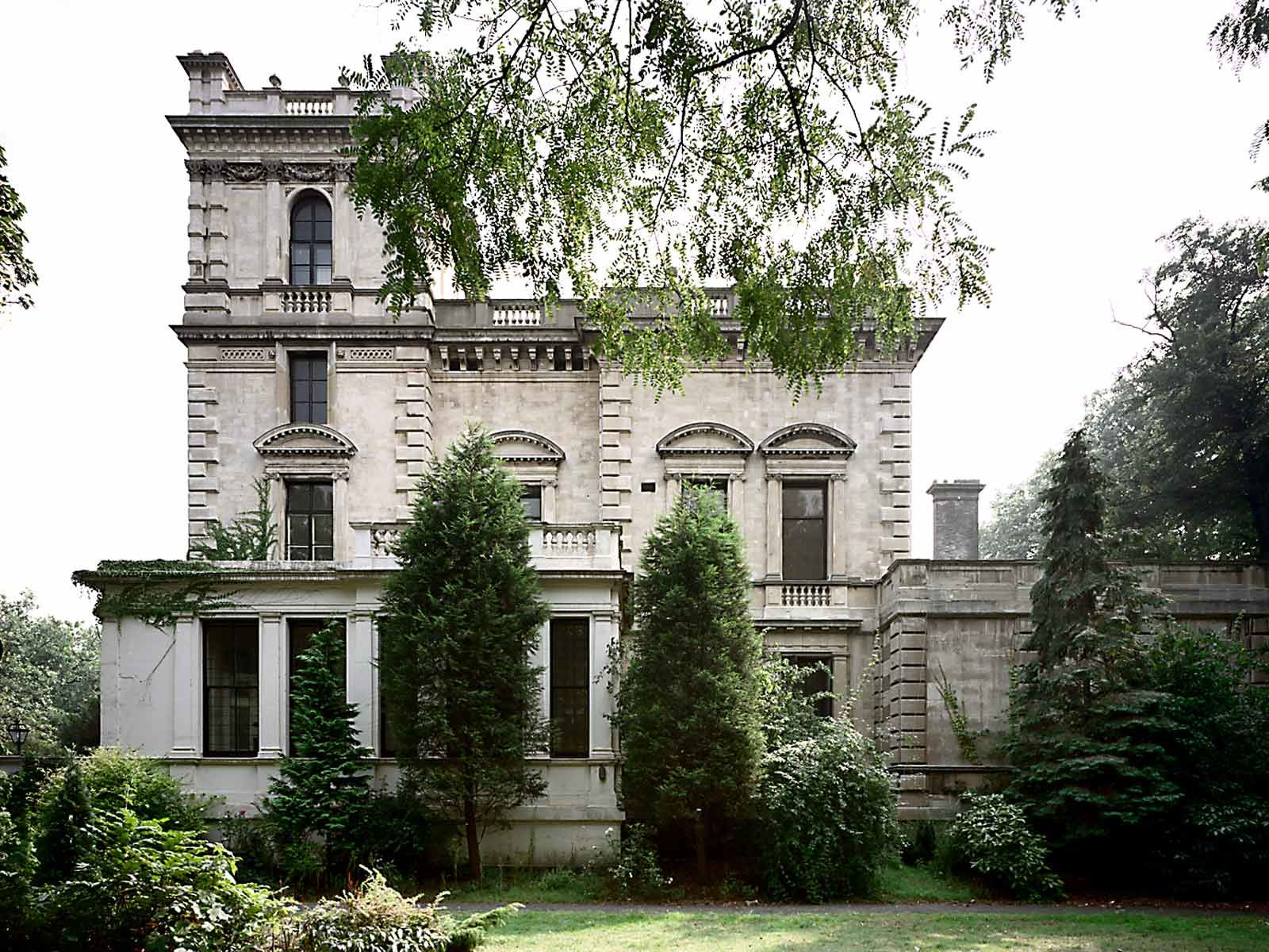 Famous Billionaire Roman Abramovichu0027s Kensington Palace Gardens Mansion    Luxury Real Estate   Pinterest   Kensington Palace Gardens And Palace Garden