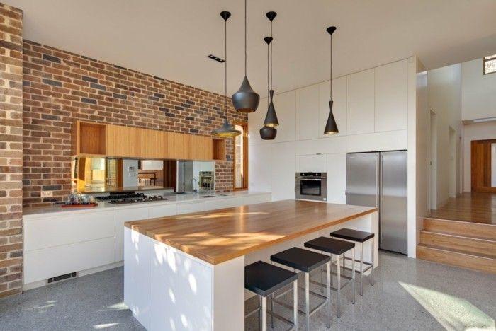 ziegelwand und hellgrauer boden Küche Möbel - Küchen - Kücheninsel