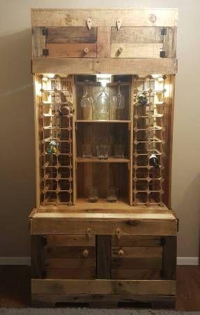 Rustic Wine & Liquor Cabinet | Liquor cabinet, Wood pallet ...