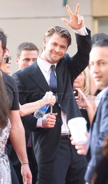 Pin by Saloeut Ngin on Chris Hemsworth!!! | Hemsworth ...