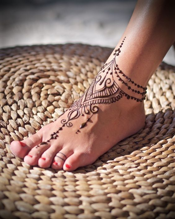 67 Infinity Beautiful Ankle Bracelet Tattoos Design Anklet Tattoos Idea For Women Page 19 Foot Henna Henna Ankle Henna Tattoo Foot