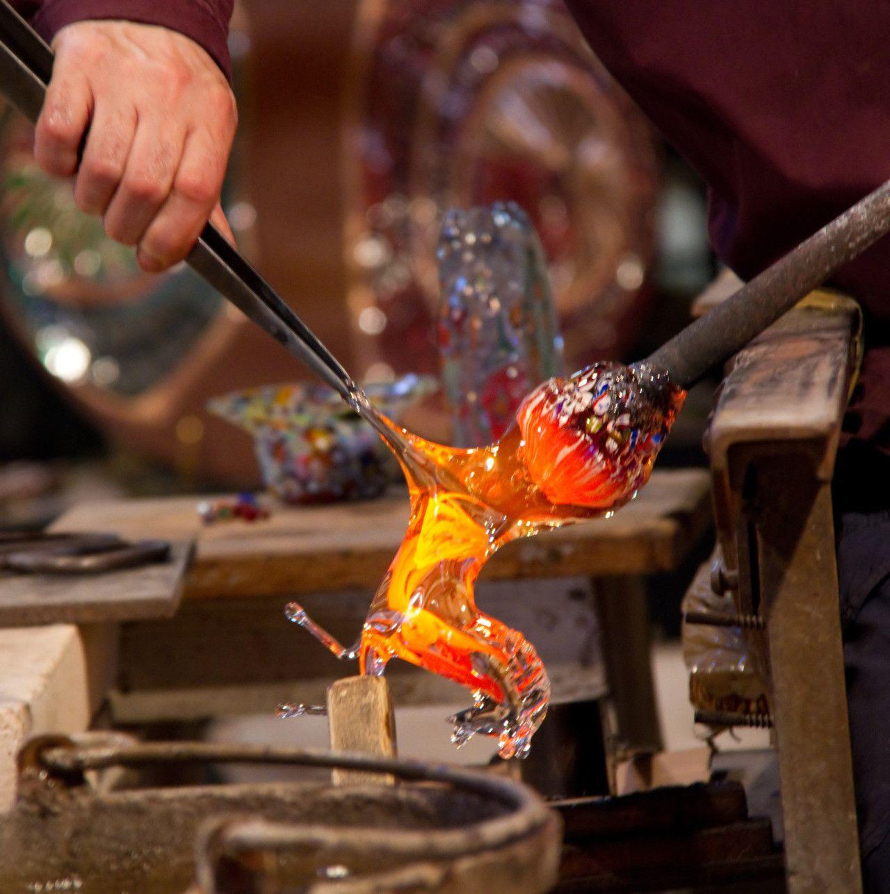 Making A Glass Horse Glass Blowing Venetian Glass Making Glass