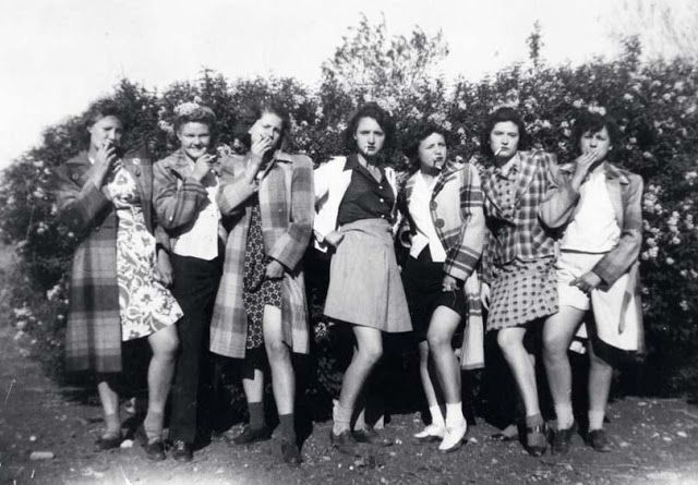 Bad girls of New Mexico, 1942
