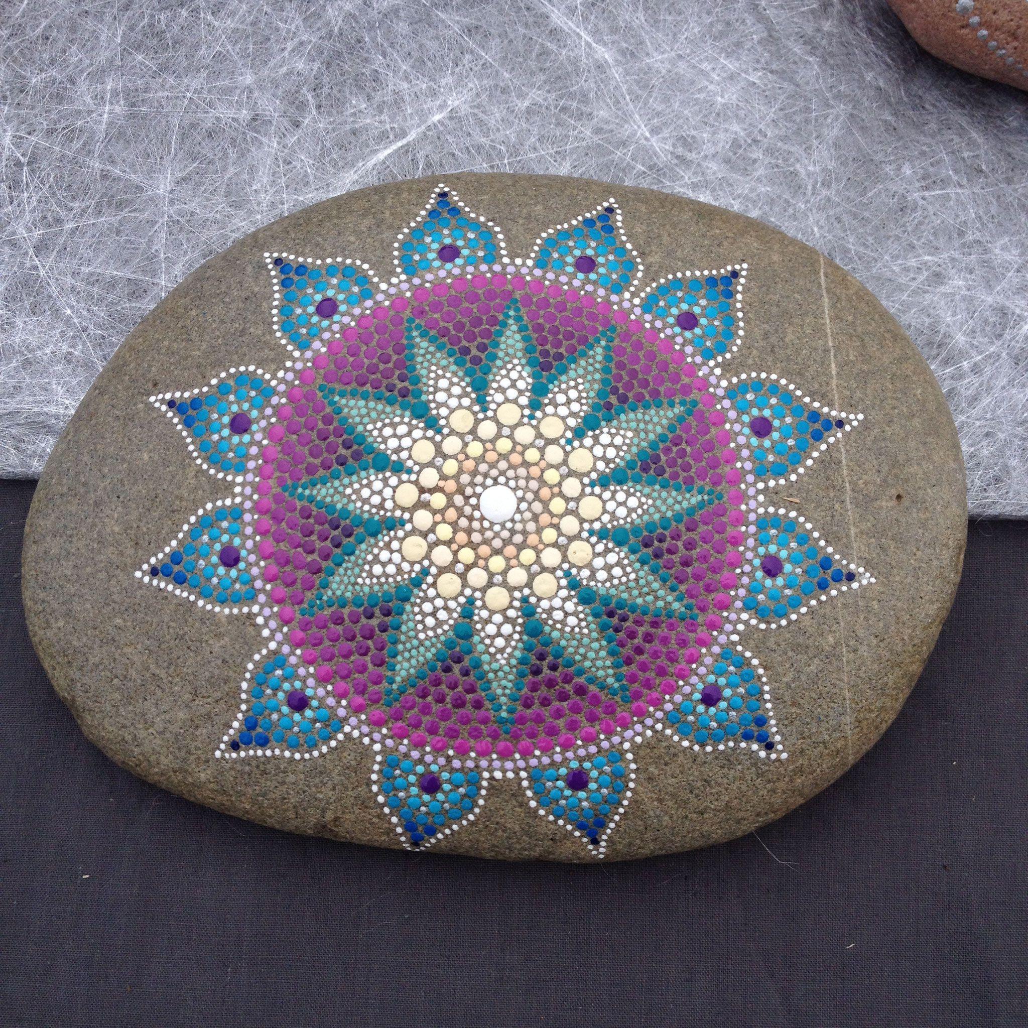 peinture acrylique carinecreation65 stones dot art. Black Bedroom Furniture Sets. Home Design Ideas