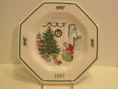 Nikko-ChristmasTime-1997-Collectors-Plate-5th-Edition-Deck- & Nikko-ChristmasTime-1997-Collectors-Plate-5th-Edition-Deck-The-Halls ...
